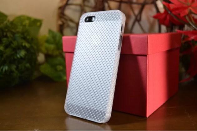 パンチングのラバーコーティングケースiPhone5s1
