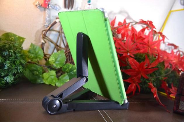 iPadとiPad mini用の折りたたみスタンドセット7