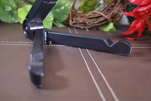 iPadとiPad mini用の折りたたみスタンド4