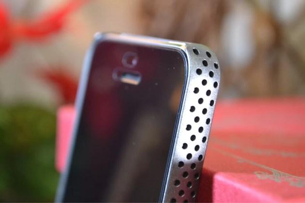 パンチングケースiPhone5sラウンドなフォルム2