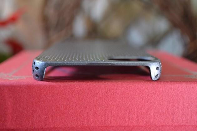 iPhone5s用のパンチングケースデザイン5