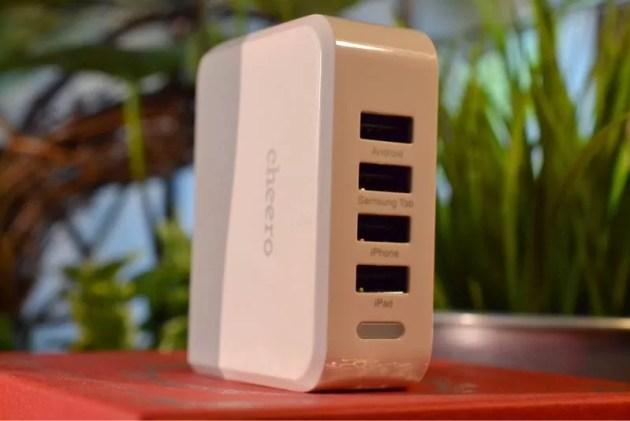 コンパクトなiPhone急速充電器