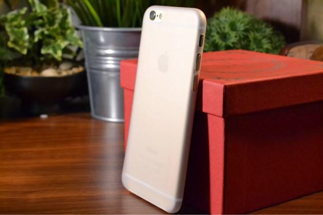 Spigen iPhone6 エアースキン装着2