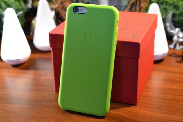 Apple純正iPhone6シリコンケースグリーン装着3