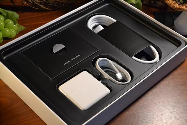 MacBook Proの箱2