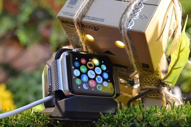 SpigenのApple Watch充電スタンドS350レビュー
