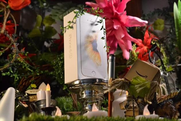 祭壇にiPhone6sを祀る