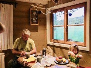 Vorfreude aufs Frühstück im Baumhaushotel