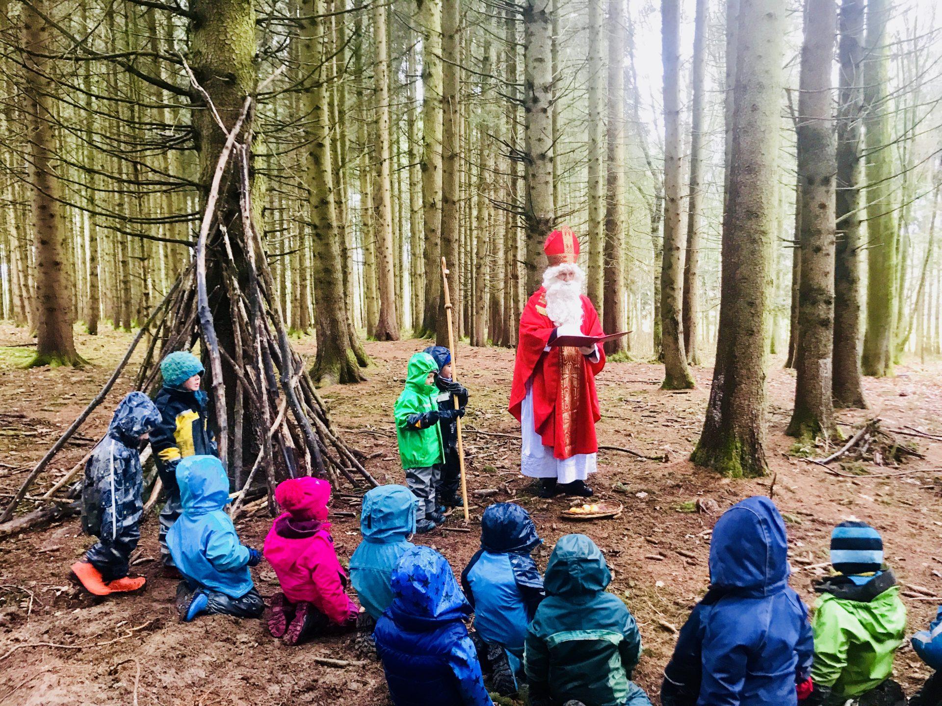 Der Nikolaus im Naturkindergarten
