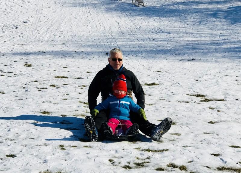 Risky Week 08 – Merlin und Papa rodeln
