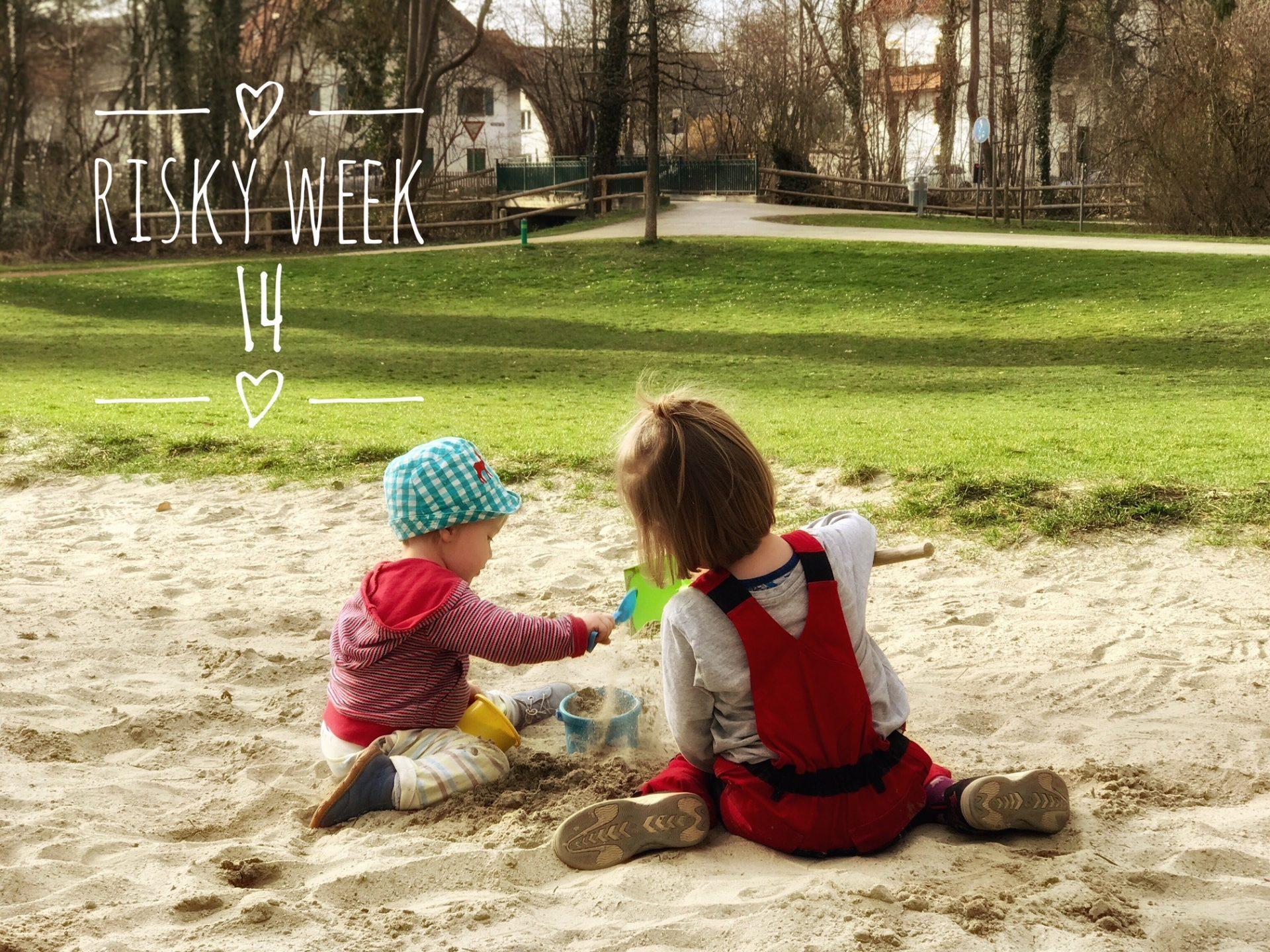 Risky Week 14 – Merlin spielt mit seinen kleinen Freund im Sandkasten