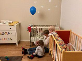 Meine Freundin liest für ihre Söhne und Merlin