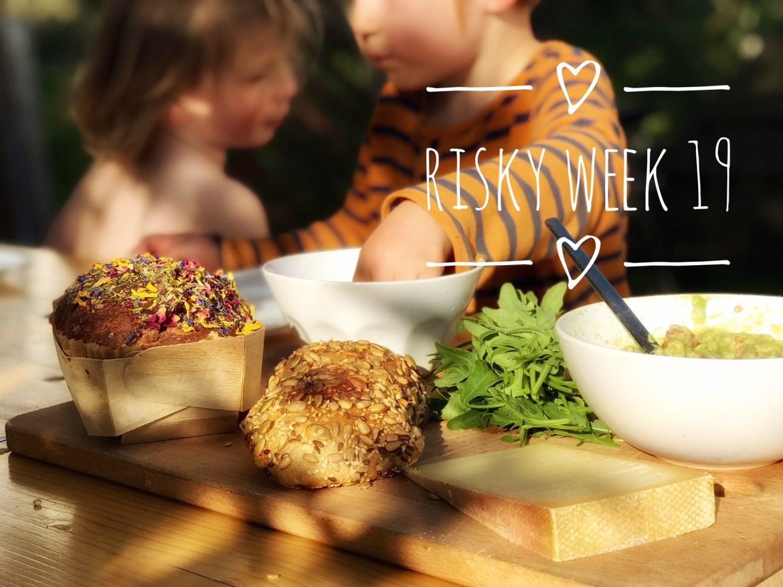 Risky Week 19 – zwei Jungs beim Abendessen