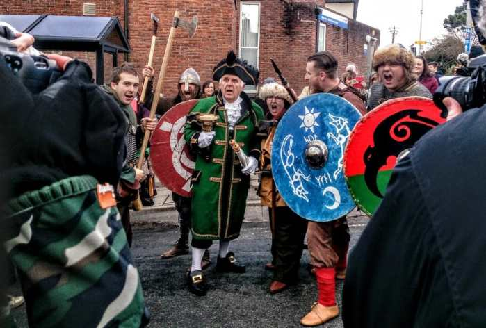 town-crier-and-vikings