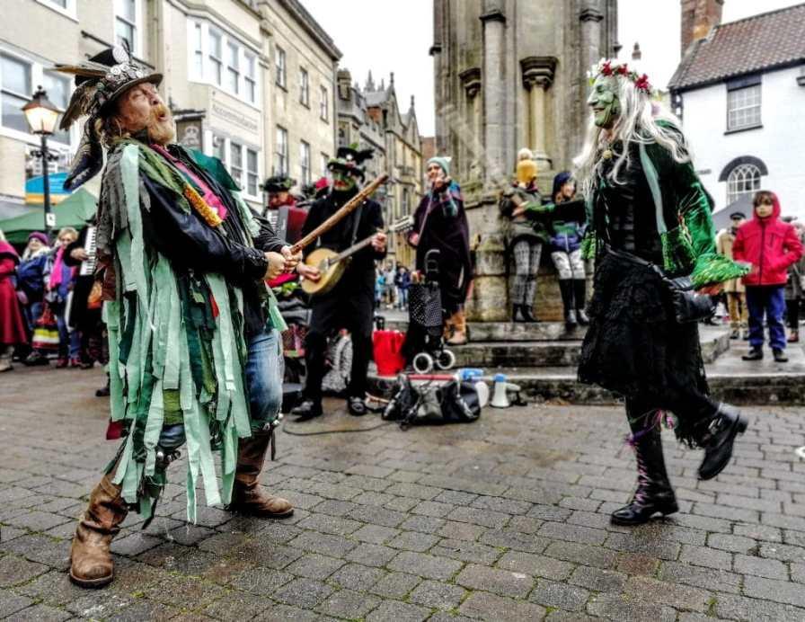 Glastonbury Morris Dancers