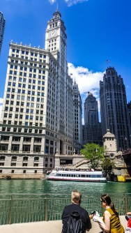 Chicago River and city view
