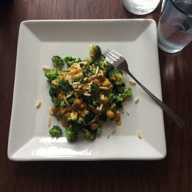 Brokkoli Curry