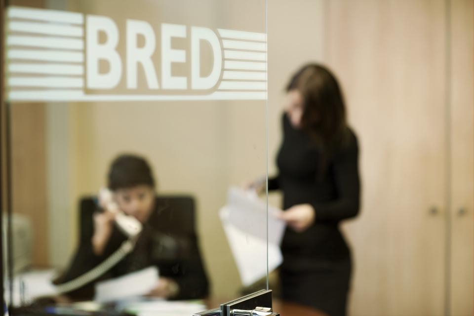 Agence bancaire : la BRED dit adieu au conseiller en libre accès