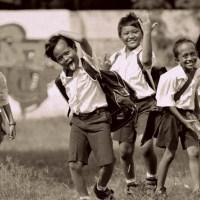 Agenda Sepulang SD (Dulu VS Sekarang) - Puisi Norman Adi Satria