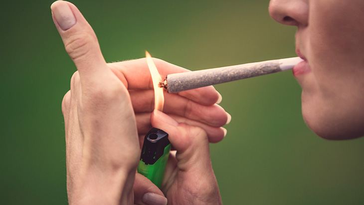 Study: Cannabis Use Associated with Reduced Alcohol Intake Among Treatment-Seeking Drinkers