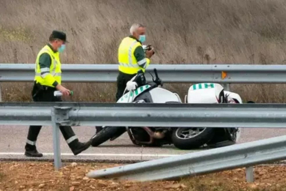 Muere un agente de la Guardia Civil tras caer de su moto