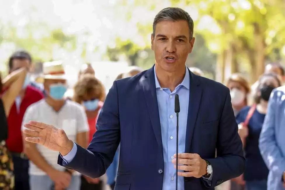 Sánchez asegura que el AVE a Extremadura llegará el próximo año