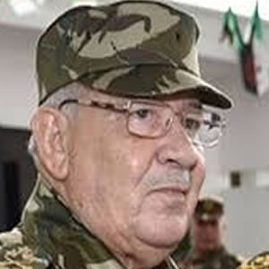 Algeria: General Gaid Salah issues threats against those who don't agree with him