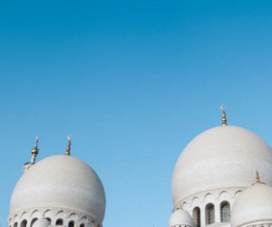 Several Muslim countries close mosques, conservatives push back