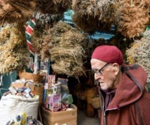 Tunisians turn to herbalists to thwart the coronavirus