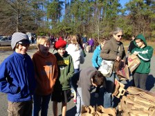 5th & 6th graders help with Food Bank donations