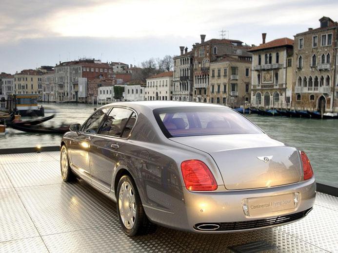 парковка в Венеции при въезде в город