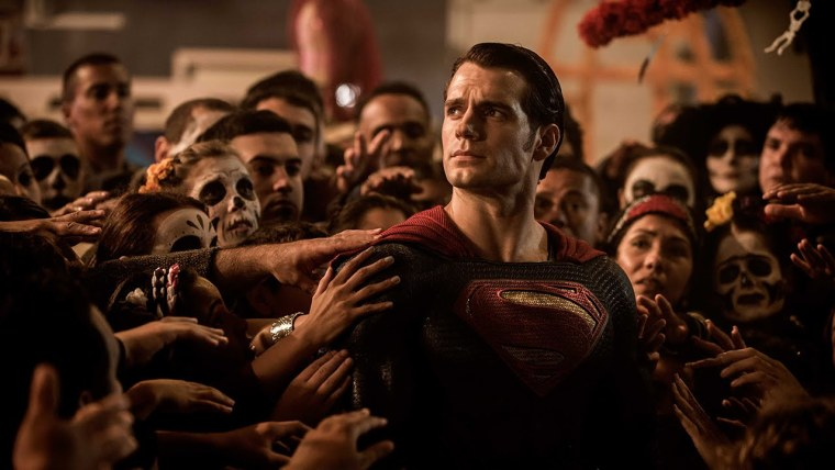 Henry Cavill's Superman being worshipped like a God (Batman V Superman: Dawn of Justice, Warner Bros Pictures)