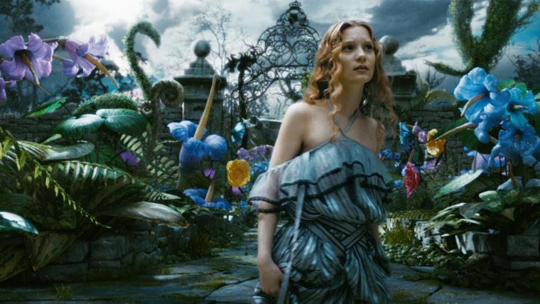 Mia Wasikowska is the real Alice  (Alice In Wonderland, Walt Disney Pictures)