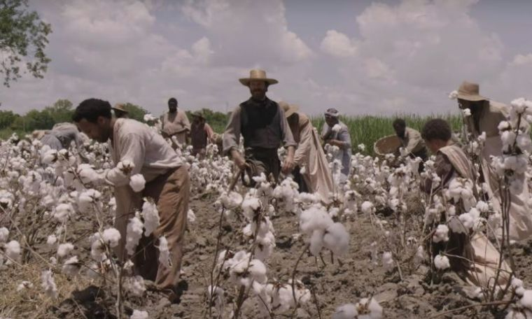 Slaves working the cotton plantation whilst the overseer intimidates...sorry, I meant supervises (Underground, WGN America)