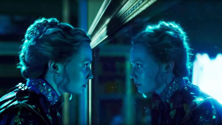 Mia Wasikowska as Alice Kingsleigh in Alice Through The Looking Glass (Alice Through The Looking Glass, Walt Disney Pictures)