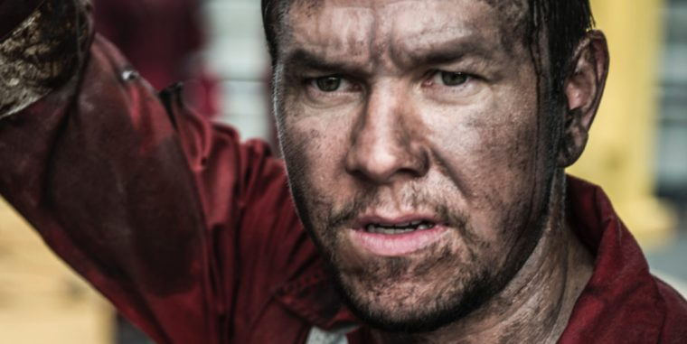 Mark Wahlberg plays Mike Williams in Deepwater Horizon (Deepwater Horizon, Lionsgate Entertainment)