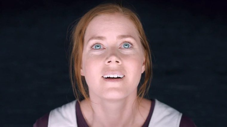 Director    uses the extreme close-up shot to perfect, props to Adams as well (Arrival, Paramount Pictures)