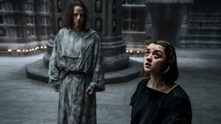 Jaqen H'ghar (Tom Wlaschiha) with Arya Stark/No One (Maisie Williams) in The House Of Black And White (Game Of Thrones, HBO)