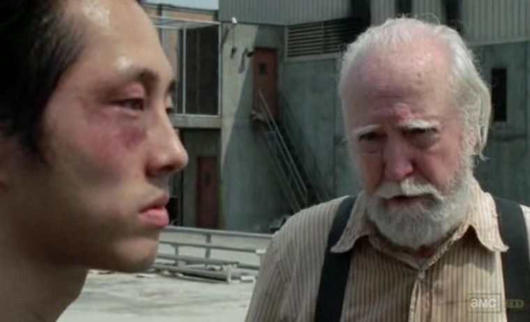 Hershel (Scott Wilson) talking to Glenn (Steven Yeun)  (The Walking Dead, AMC)