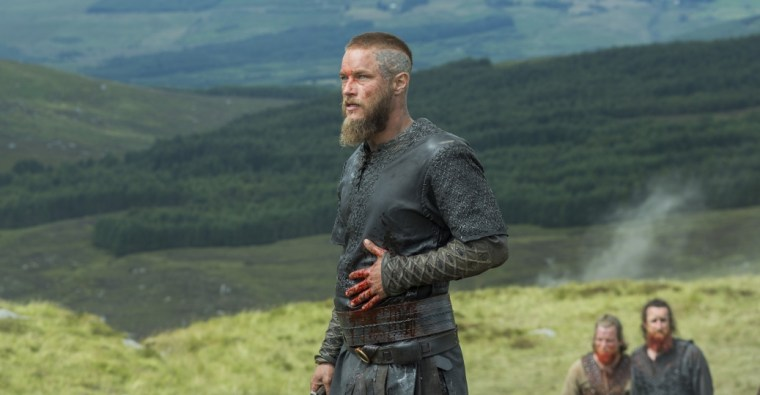 Travis Fimmel's Ragnar looking a little worse for wear (Vikings, History Channel)