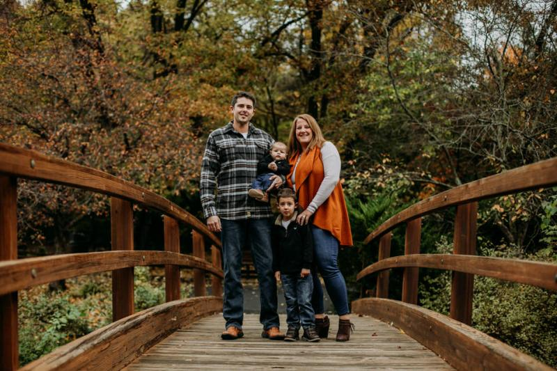 Mast Family Fall Photos at Twin Oaks Park in Ballwin, Missouri by St. Louis Family Photographer North Arrow Creative