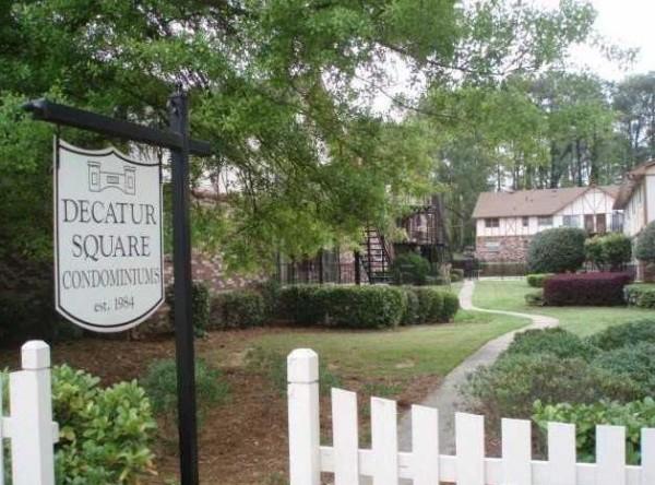 Decatur Square Condos At Glenlake Park