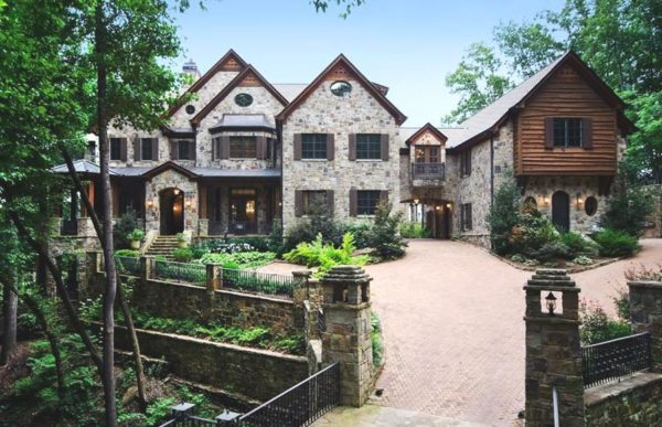 Sandy Springs Estate Home In Huntcliff