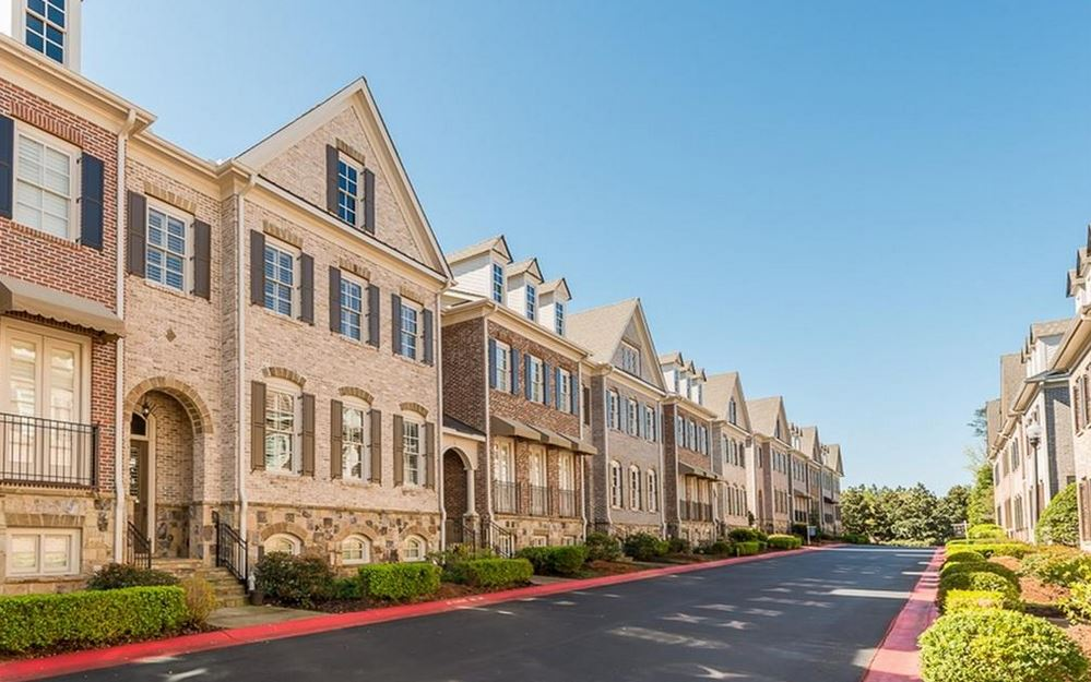 Luxury Townhomes Of Winterfield Court In Overlook At Marietta