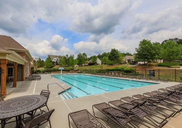 crestmont-community-swimming-pool