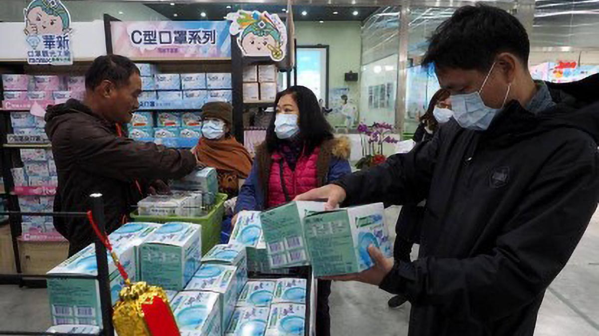 Death toll in China's new coronavirus outbreak hits 131