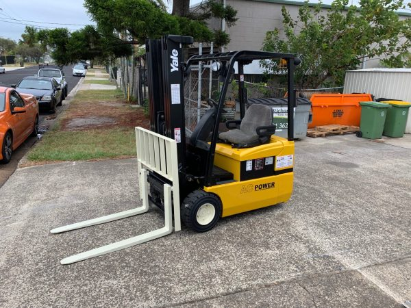 Yale ERP030 3 Wheel Electric Forklift 1