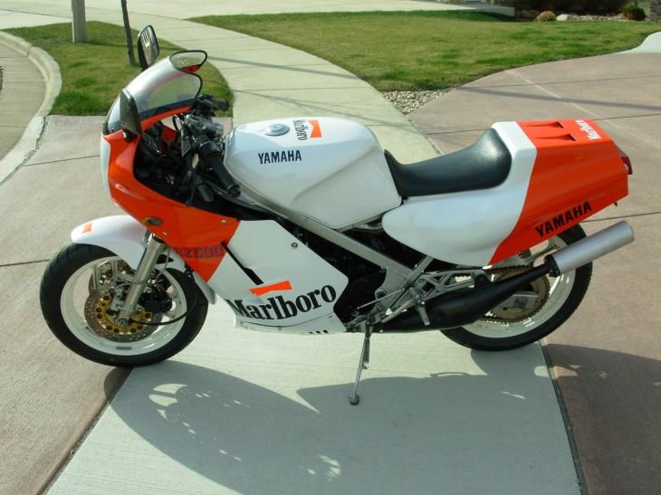 1985 Yamaha Marlboro RZ500 L Side