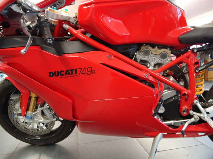2005 Ducati 749R L Fairing