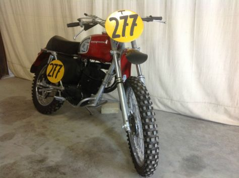 Husqvarna 360 Sportsman - Front Right